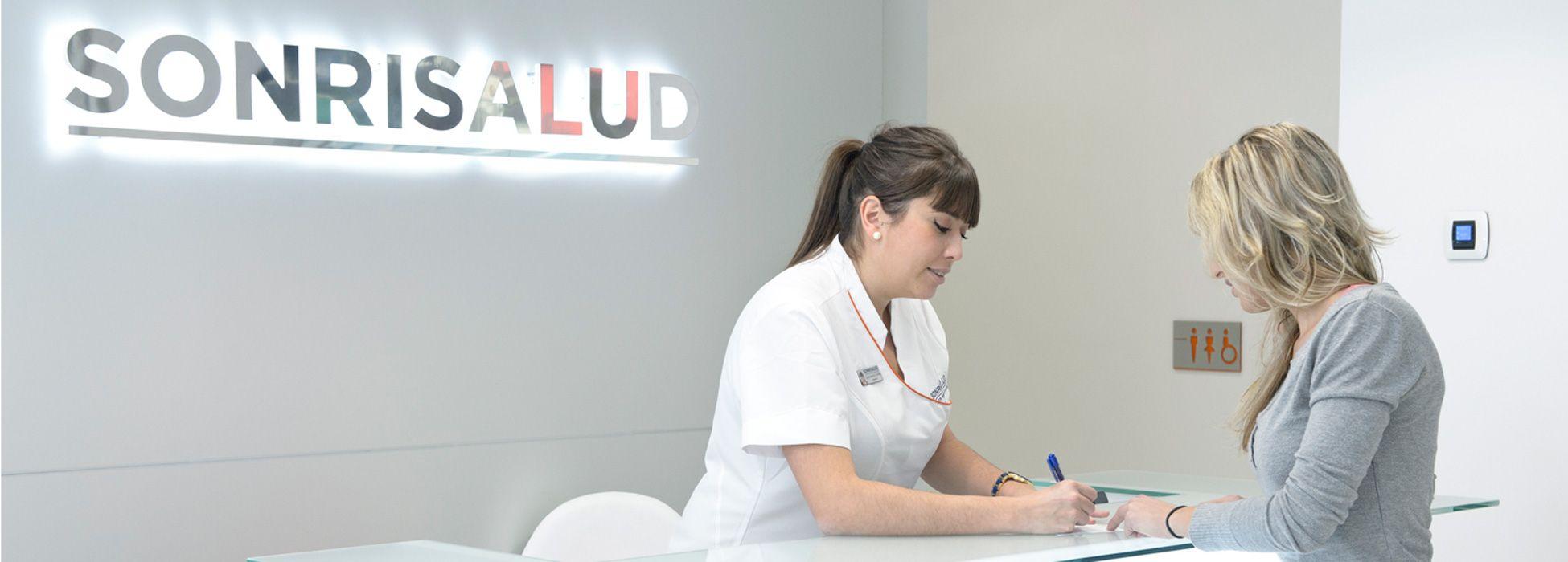 Recepcion-clinica-Sonrisalud