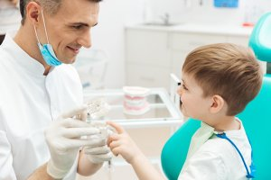 cuándo hay que llevar a tu hijo al dentista - Sonrisalud