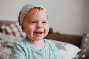 primeros dientes de leche bebé sonrisalud